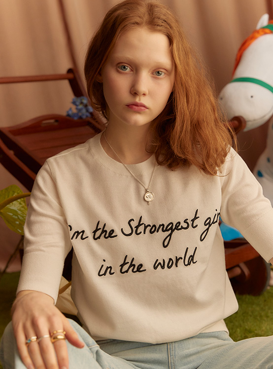 X PIPPI Lettering Embroidery Knit in White_VK0SP1290