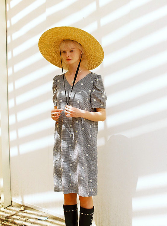 X PIPPI Embroidery Check One Piece in Black_VW0MO1770